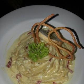 fettucini carbonara -  dari Cravin Cafe & Bistro (Sunter) di Sunter |Jakarta