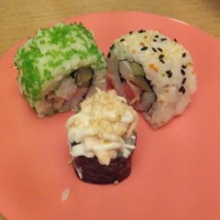 Sushi Roll - ในKuningan จากร้านShabu Slim (Kuningan)|Jakarta