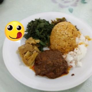 Nasi Padang - 位于Semarang Tengah的Rumah Makan Citra Bundo (Semarang Tengah) | 三宝珑