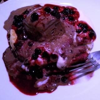 Blueberry Cheese Pancake - ในSlipi จากร้านPancious Pancake House (Slipi)|Jakarta