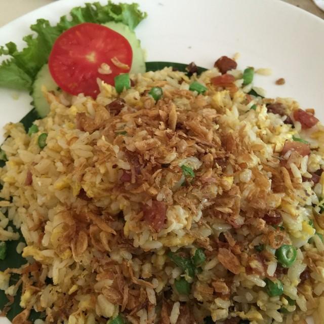 Nasi Goreng Ikan Asin - Hong Kong Cafe - Kafe - Slipi - Jakarta