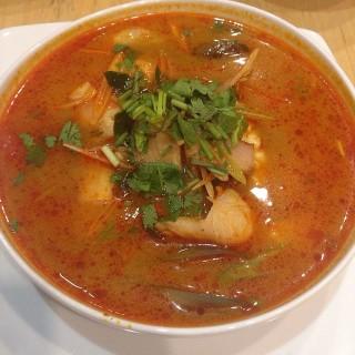 tomyam seafood - 位於Pantai Indah Kapuk的Silky Thai (Pantai Indah Kapuk) | 雅加達