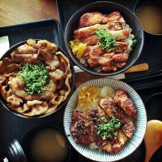 鬼椒雞腿丼 -  信義區 / 燒丼株式會社 信義威秀店 (信義區)|台北