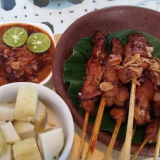 Sate Ayam -  dari Nicole's Kitchen & Lounge (Puncak) di Puncak  Jakarta