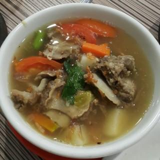 Sup iga rebus -  dari Warung Bu Kris (BSD City) di BSD City |Jakarta