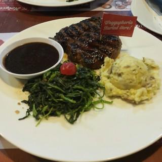 Rib Eye Steak -  dari Steak Hotel by Holycow! (Bendungan Hilir) di Bendungan Hilir |Jakarta