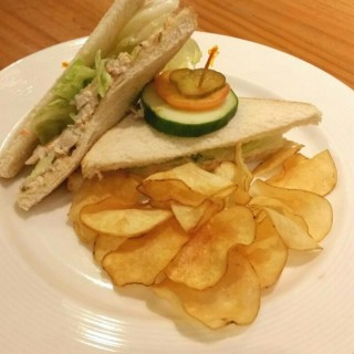 Chicken Sandwich - 位於B.F. Homes的Conti's Bakeshop & Restaurant (B.F. Homes) | 馬尼拉