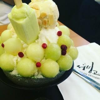Melon bingsu - Pathum Wan's Seobinggo (ซอบิงโก) (Pathum Wan)|Bangkok