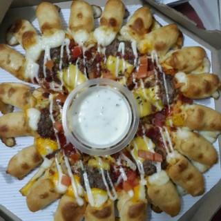 cheeseburger pizza - 位於Serpong的Pizza Hut (Serpong) | 雅加達