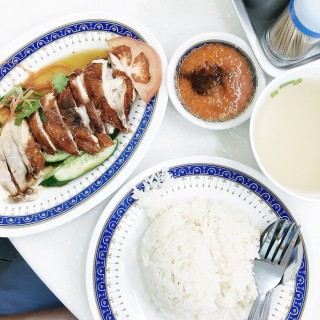 Hainanese Chicken Rice -  Orchard / Lucky Chicken Rice (Orchard)|Singapore