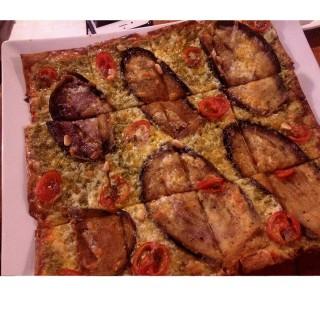 鯷魚香茄青醬披薩 -  dari EL AMOR西班牙小酒館 (大安區) di 大安區 |Taipei