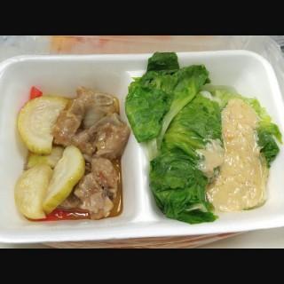 蝦皇醬蒸肉排拼腐乳灼生菜 - 位於的大家樂 (粉嶺) | 香港