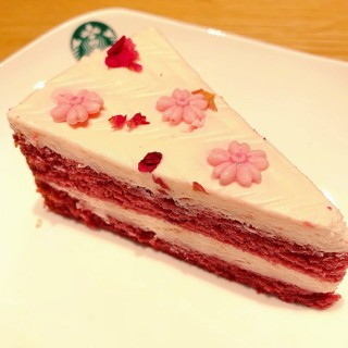 Strawberry Red Velvet Cake -   / Starbucks (Tampines)|Singapore