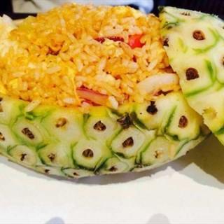 原只菠萝海鲜焗饭 - tianhecheng's Greenery Cafe (tianhecheng)|Guangzhou