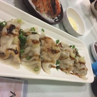 日式煎饺 - gongyuanqian's DaiWo Sushi (gongyuanqian)|Guangzhou