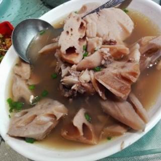 筒骨炖湖藕 - tianhequ's 香园咖啡馆 (tianhequ)|Guangzhou