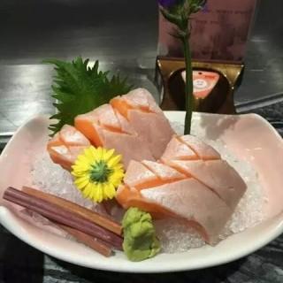 三文鱼腩刺身 - zhujiangxincheng's 富田菊日本皇尚料理 (zhujiangxincheng)|Guangzhou