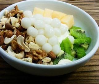 酸奶菜菜A+糯米小圆子 - ใน人民广场 จากร้านBojoo Desser (人民广场)|Shanghai