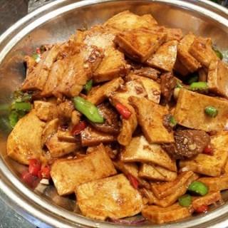 干锅千叶豆腐 - ใน王家湾 จากร้าน开小灶 (王家湾)|Wu Han