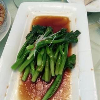 白灼芥蓝 - 位於望京的金百万烤鸭店 (望京) | 北京