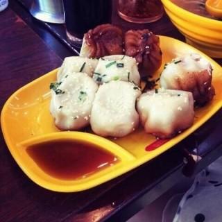 鲜肉生煎 - ใน塘桥 จากร้าน小杨生煎 (塘桥)|Shanghai