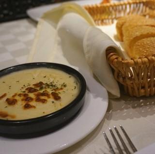 芝麻奶油面包 - yuexiuqu's 西堤厚牛排 (yuexiuqu)|Guangzhou