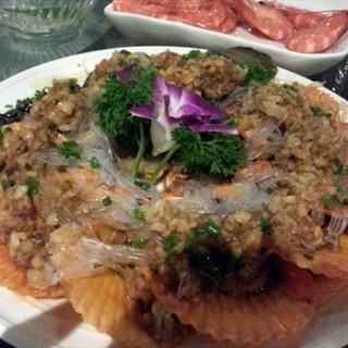蒜香芒果贝 - ใน江汉区 จากร้าน百艳青花时尚餐厅 (江汉区)|Wu Han