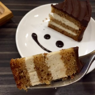 Chocolate and banana cake -  dari Studio Caffeine (佐敦) di 佐敦 |Hong Kong