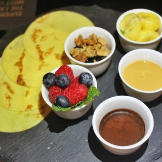 Banana Wraps -  dari Supergiant Tapas & Cocktail Bar (銅鑼灣) di 銅鑼灣 |Hong Kong