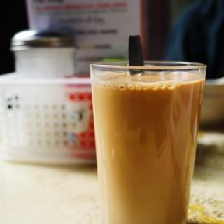 熱奶茶 - 位於中環的裕興咖啡 (中環) | 香港