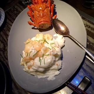 南澳龍蝦球配雲南火腿炒蛋白 - 位於中環的卅二公館 (中環) | 香港