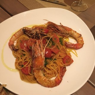 大蝦天使麵 - 位於觀塘的Mela Italian & Spanish Cuisine (觀塘) | 香港