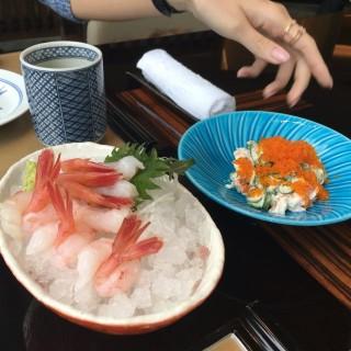 Sweet shrimp sashimi and crab roe salad  - 位於金鐘的灘萬日本料理 (金鐘) | 香港