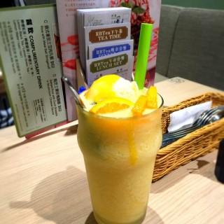 益力多香橙冰 - 位於銅鑼灣的RBTea (銅鑼灣) | 香港