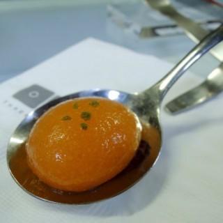 哈蜜瓜分子晶球配西班牙黑毛豬火腿 - 位于铜锣湾的Three Dice Kitchen (铜锣湾) | 香港