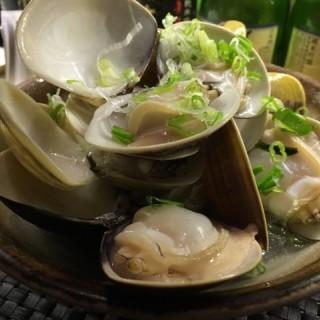 清酒煮蜆 -  dari Bicho (銅鑼灣) di 銅鑼灣 |Hong Kong