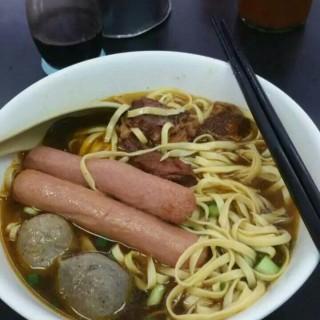 腸仔牛丸牛腩車仔麵 - 位於紅磡的民康小食 (紅磡) | 香港