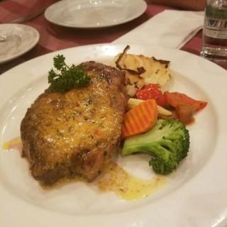 巴黎汁西冷扒 - ใน九龍塘 จากร้านLion Rock Bistro (九龍塘)|ฮ่องกง