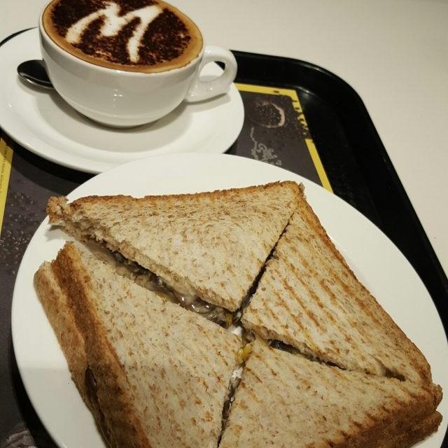 磨菇粟米芝味多士 - McCafe - Bakery - Diamond Hill - ฮ่องกง