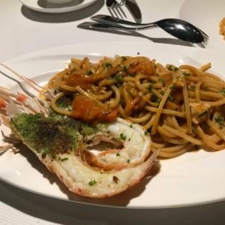 "Matassine Chitarra ""Cav. Cocco"" with Langoustine,  Spring Onion and Cherry Tomato  - ใน จากร้านLocanda dell' Angelo (跑馬地)|ฮ่องกง"