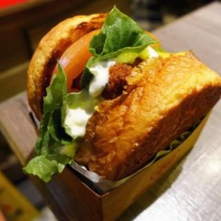 魚柳漢堡 - 位於灣仔的Burger Joys (灣仔) | 香港