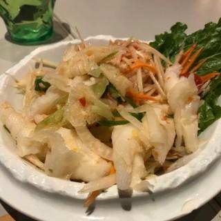 青木瓜沙律配酸辣鳳爪 - 位於大角咀的Lemongrass (大角咀) | 香港
