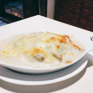 白汁芝士吞拿魚天使麵 - 位於旺角的The Mafe Cafe (旺角) | 香港