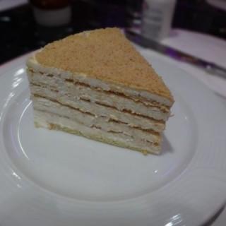 木槺蛋糕 -  dari Noite e Dia Café (南灣) di 南灣 |Macau