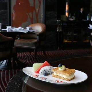 Vanilla Napoleon & Exotic Fruits -  dari Vida Rica Restaurant (宋玉生廣場(皇朝)) di 宋玉生廣場(皇朝) |Macau