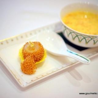 燕窩流沙煎堆及香芒楊枝金露 -  dari Wing Lei Palace (路氹城) di 路氹城 |Macau