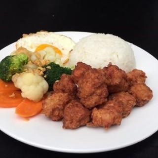 Rice with Fried Pork Ball - 位于公主城的Eat Well Restaurant (公主城) | 雪隆区