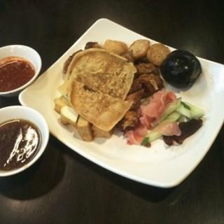 Sentosa's Penang Ah Long Lor Bak - Malaysian Food Street (Sentosa)|Singapore