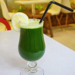 PURE GREEN WHEATGRASS -   / The Living Cafe (Bukit Timah)|Singapore