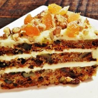 Carrot Cake - ในTanglin จากร้านNassim Hill Bakery Bistro Bar (Tanglin)|สิงคโปร์